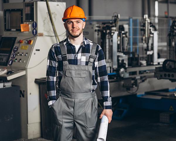 Zerspanungstechnik CNC Fräsen - 3-Achs und 5-Achs - Ausbildung - SNZ-GmbH-und-Co-KG